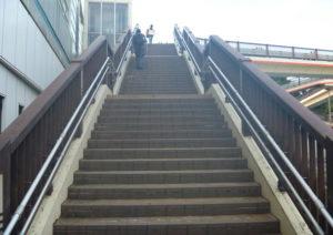駅から当店までの順路1